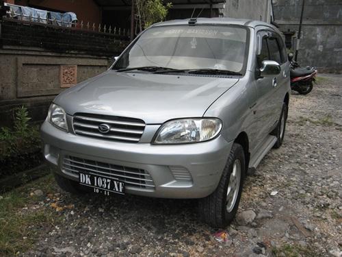 Daihatsu Taruna CX th 2003 plat Bali Silver ada TV+DVD dijual 89 juta