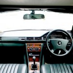 Interior Benz.jpg (88 KB)