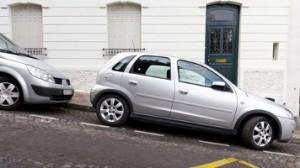 Hindari Mobil Meluncur Saat Parkir